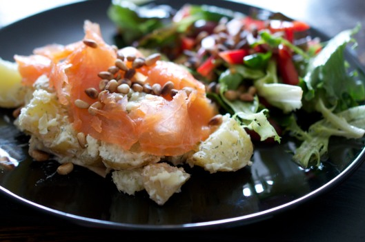 Smoked salmon with Horseradish Potatoes